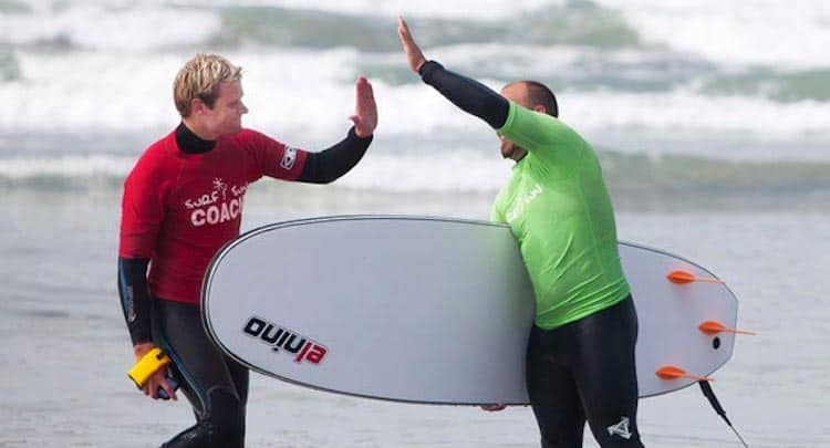 surf-lessons-team-building